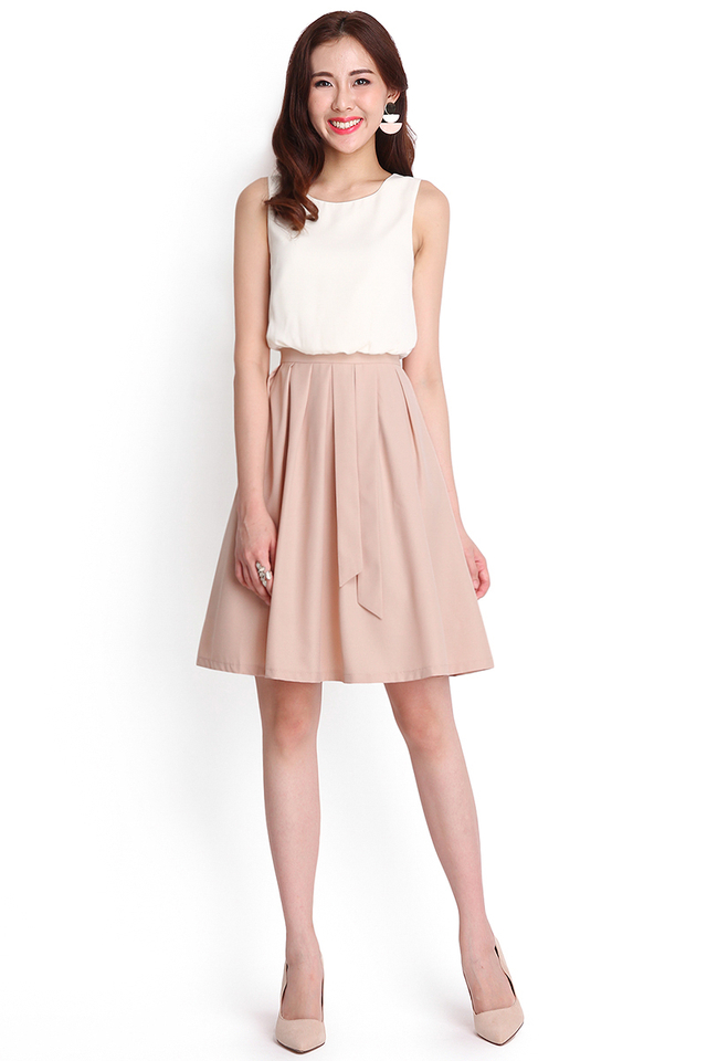 Colour Symmetry Dress In White Cocoa