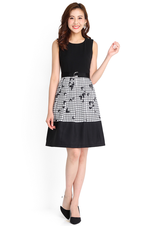 Heart To Heart Dress In Black Grids