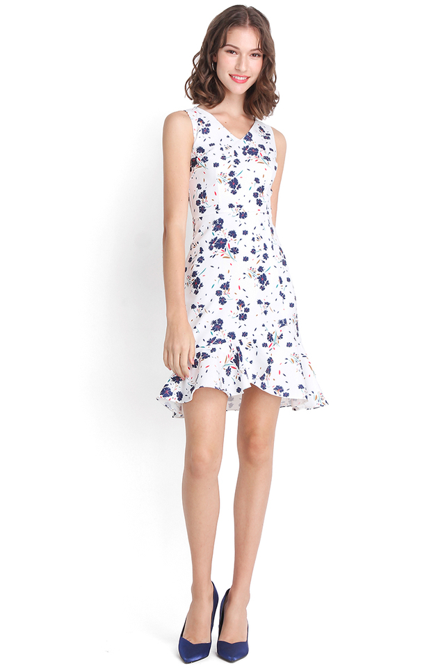 Falling Petals Dress In White Florals