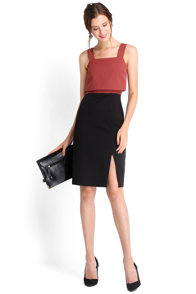 Miss Twiggy Dress In Rose Black