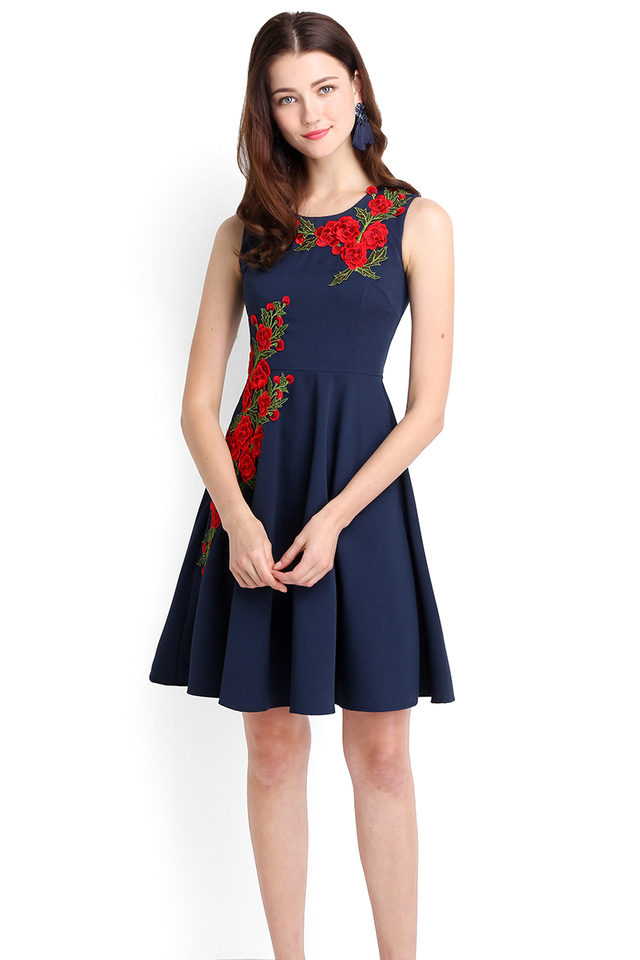 Bed Of Roses Dress In Navy Blue