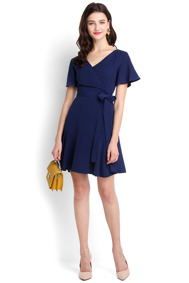 Twist And Shout Dress In Navy Blue