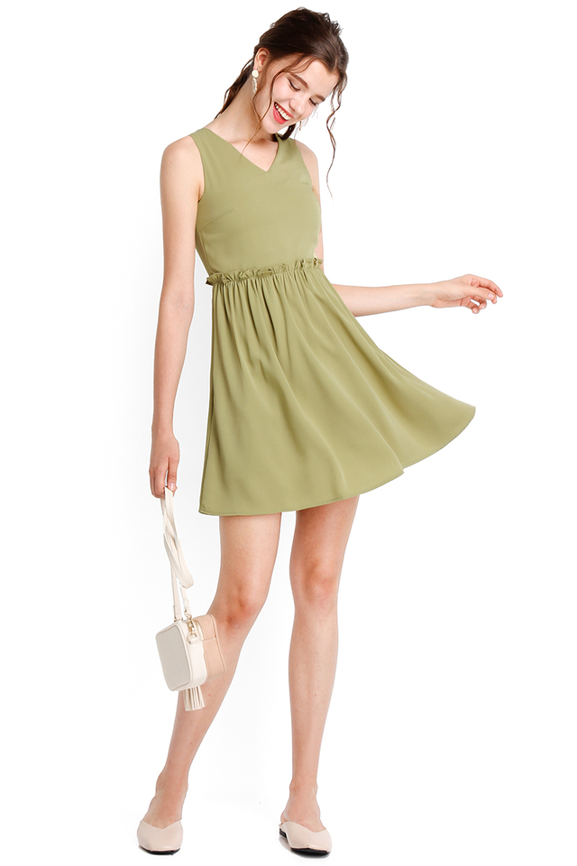 Courtyard Romance Dress In Tea Green