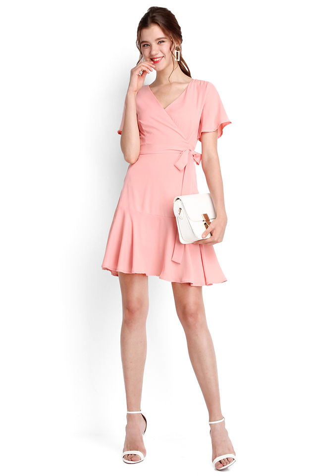 Twist And Shout Dress In Peach Pink