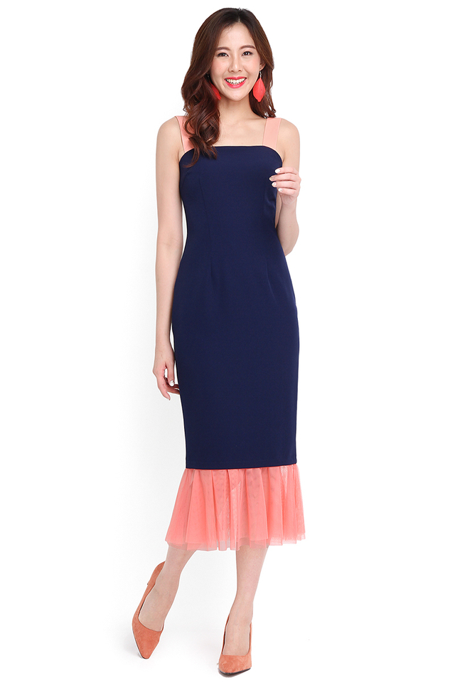 Red Carpet Moment Dress In Navy Blue