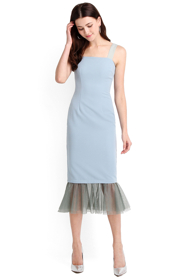 Red Carpet Moment Dress In Muted Sky
