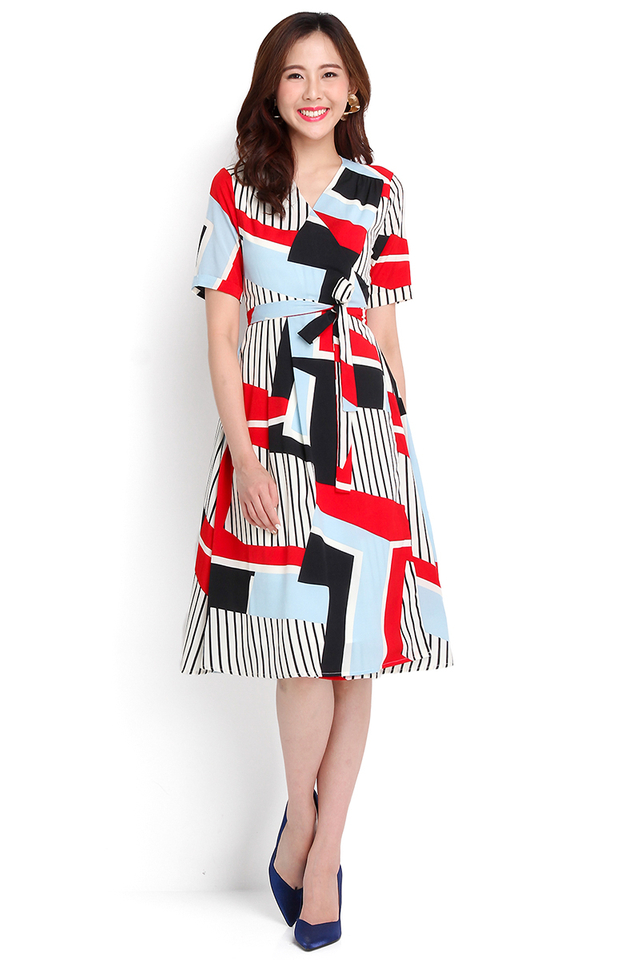City Adventure Dress In Abstract Prints