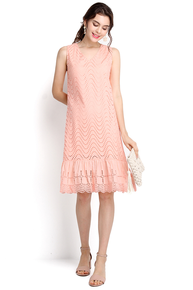 Eye For Detail Dress In Apricot Pink