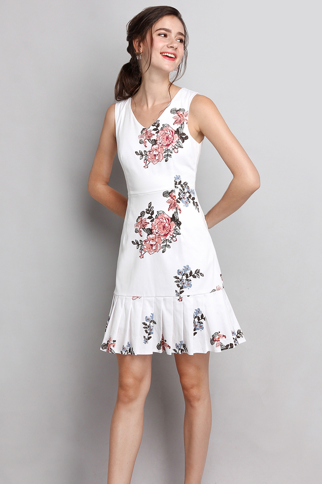 Florence Mornings Dress In White Florals
