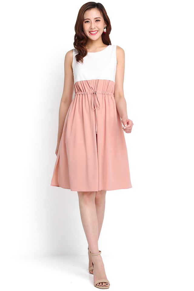 Palette Of Happiness Dress In White Pink