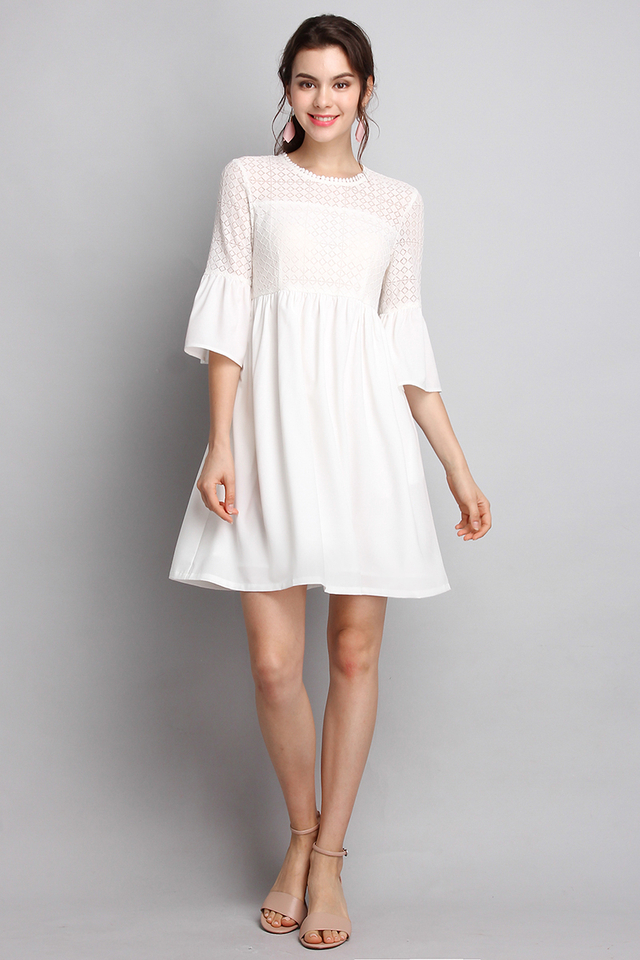 Windsor Castle Dress in Classic White