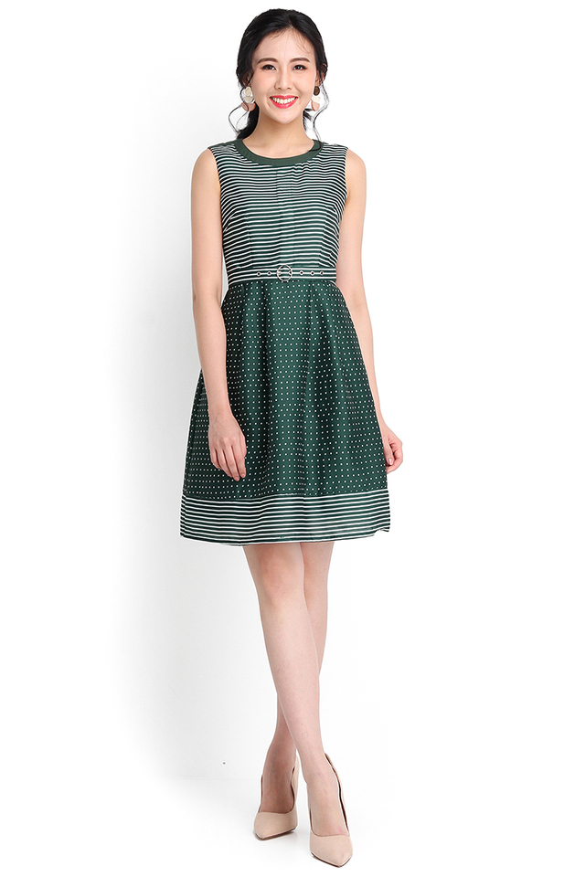 Print And Proper Dress In Forest Green
