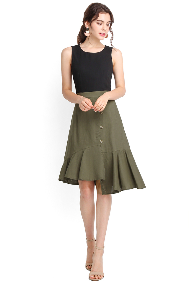 Stylish Undertaking Dress In Black Olive
