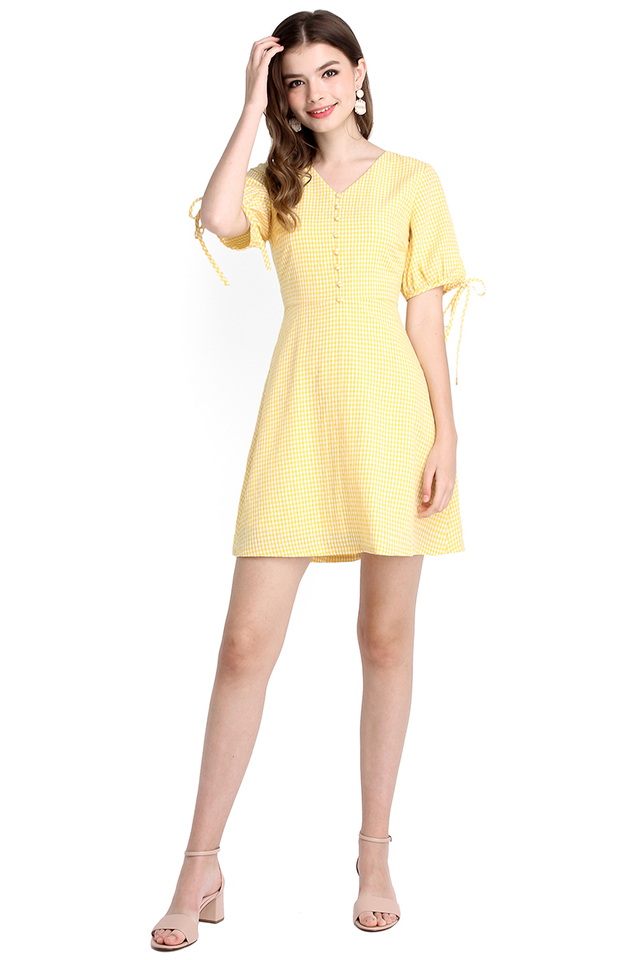 Bright Outlook Dress In Yellow Gingham