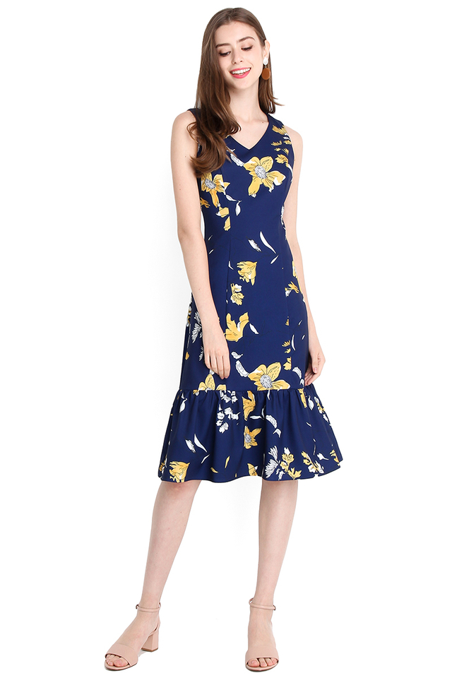 Blooming Elegance Dress In Blue Florals