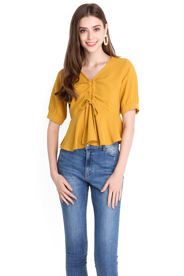 Sunny Holidays Top In Honey Mustard