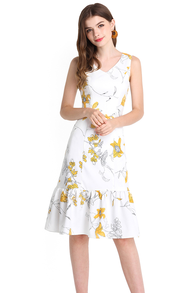 Blooming Elegance Dress In White Florals