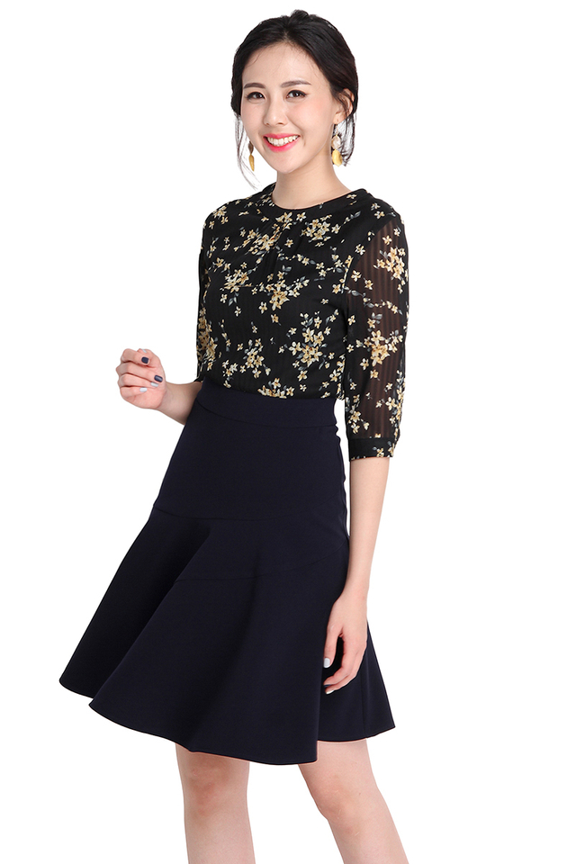 Confections Of Flounce Dress In Black Blue Florals