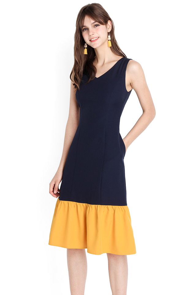On Showcase Dress In Blue Mustard