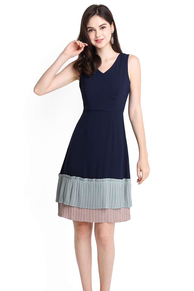 Kindred Soul Dress In Navy Blue