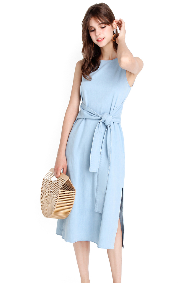 Charismatic Soul Dress In Light Wash