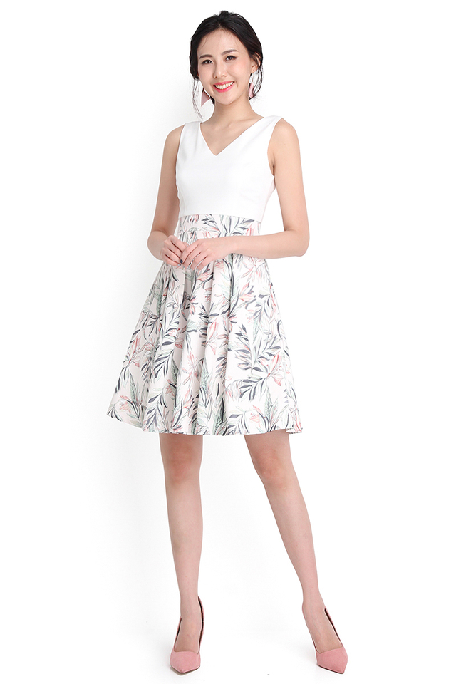 Chronicles Of Underland Dress In White Prints