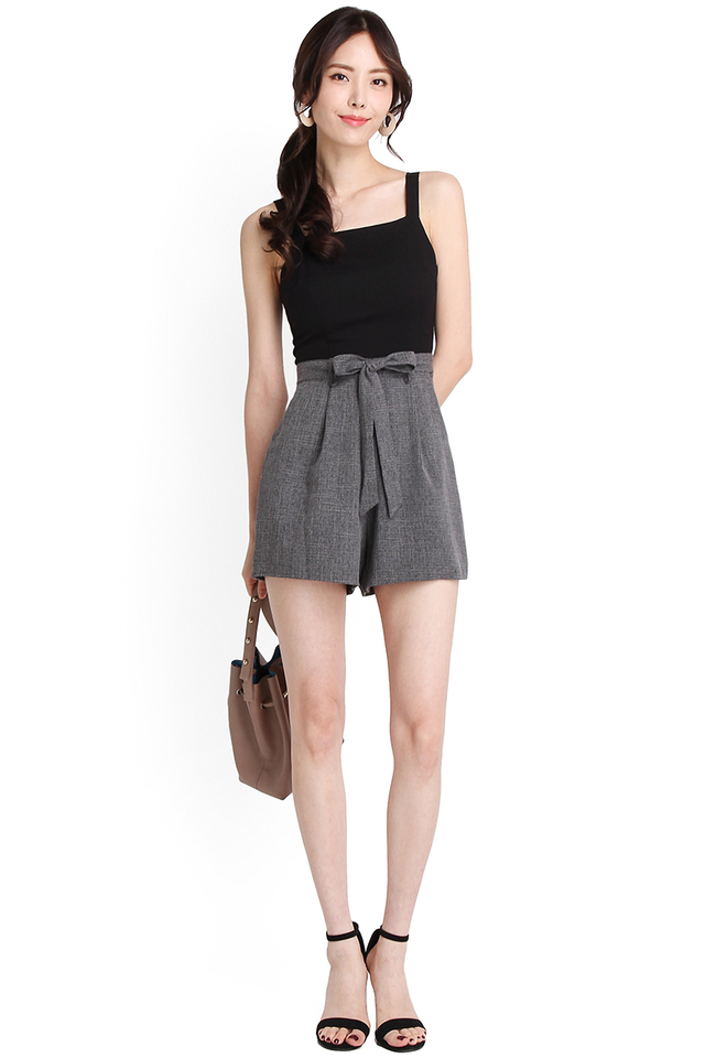 New York Adventure Romper In Black Grey