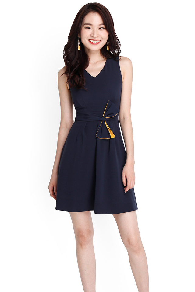 Bow Beauty Dress In Navy Blue