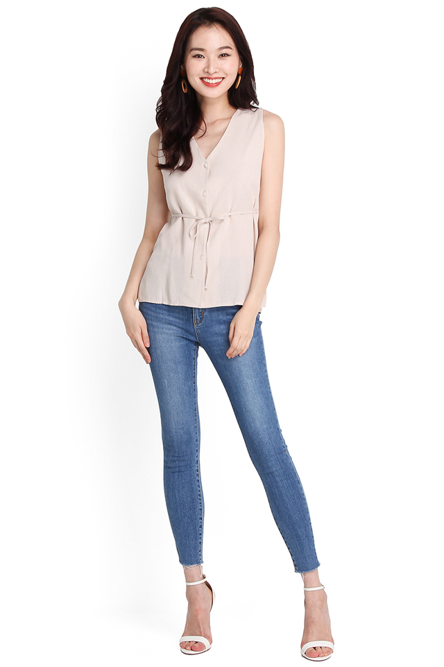 Lindy Top In Warm Cream