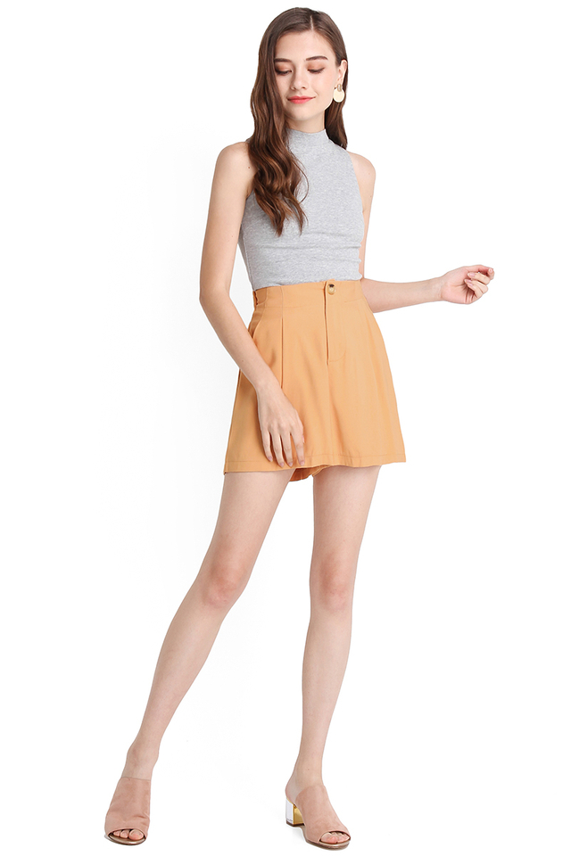 Charlotte Shorts In Apricot
