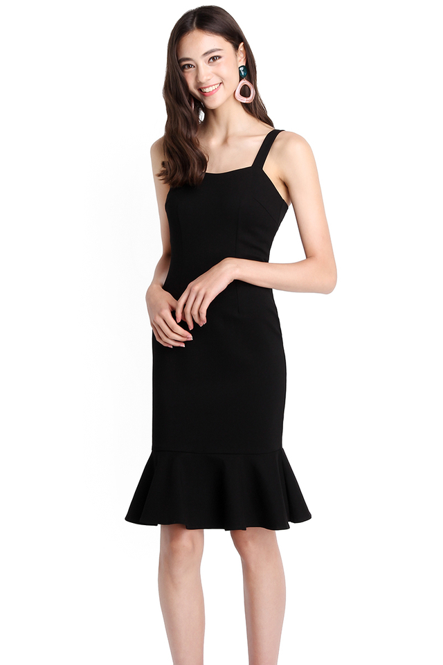 Flattering Curves Dress In Classic Black