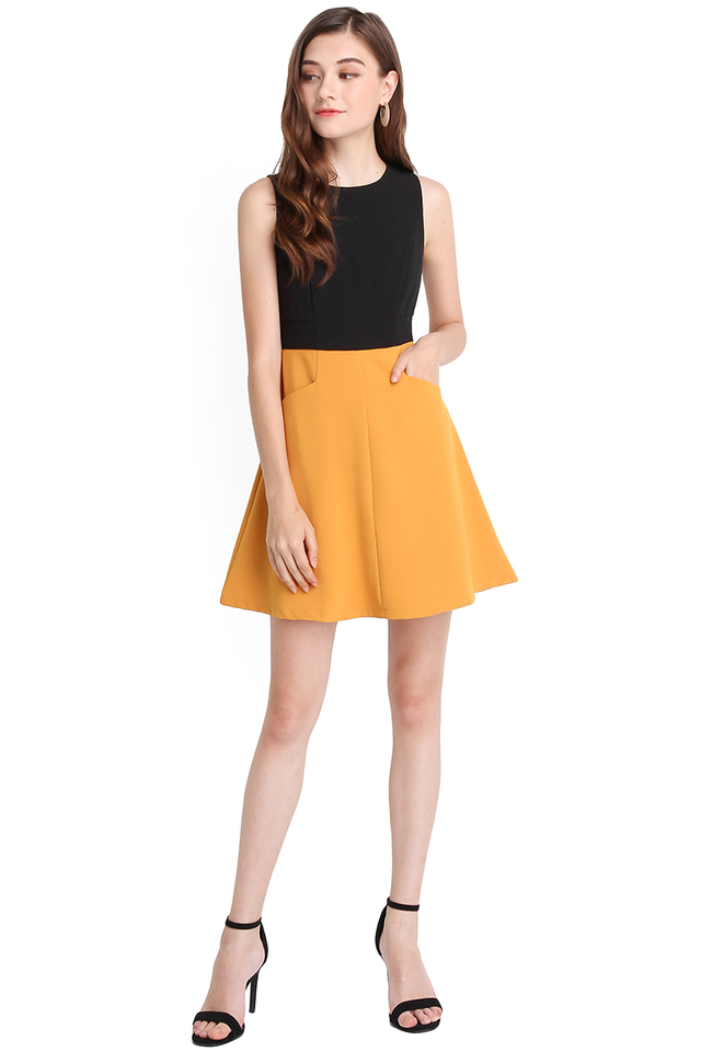 Perfect Imperfection Dress In Black Mustard
