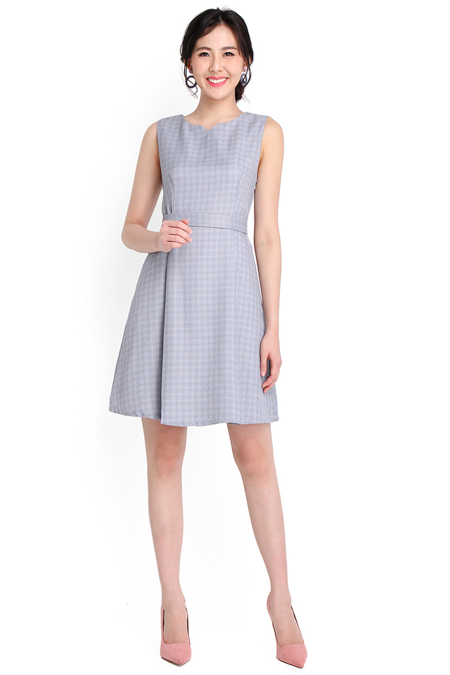 On The Grid Dress In Blue Checks