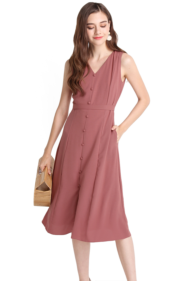 Leisurely Romance Dress In Tea Rose