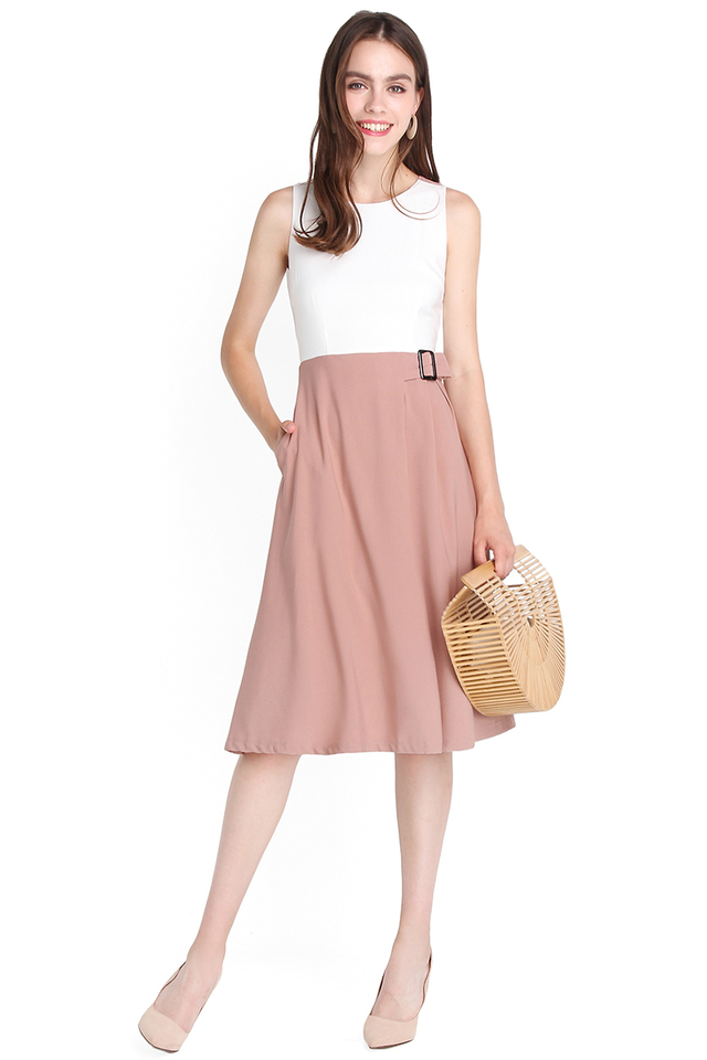Go To Great Lengths Dress In White Sand