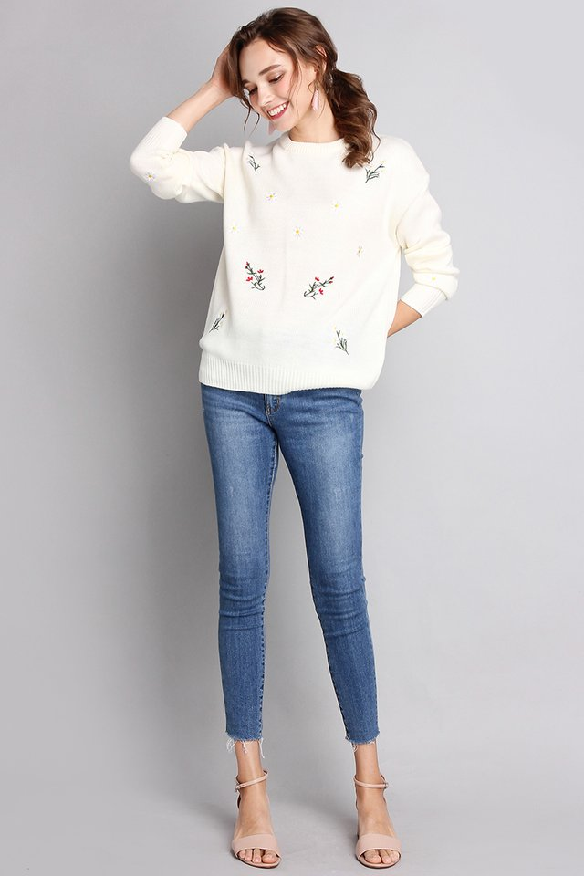 Childhood Sweetheart Pullover In Cream Florals