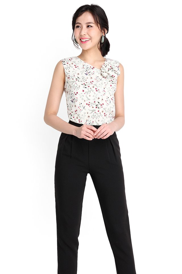 Blooming Summer Top In White Florals