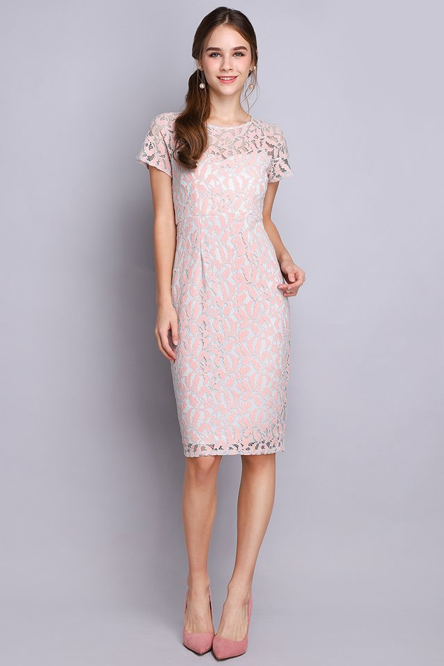 Stunning Wonder Dress In Dusty Pink