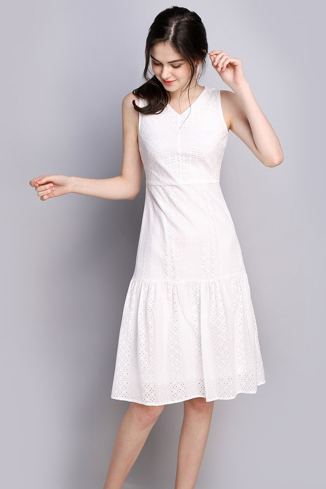 Delicate Dreams Dress In Classic White