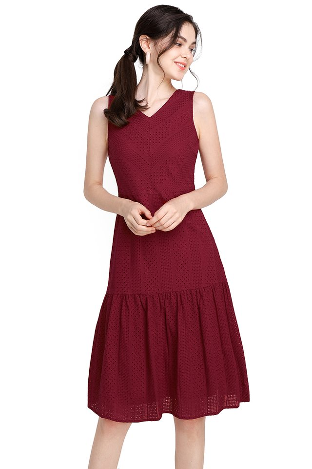 Delicate Dreams Dress In Wine Red