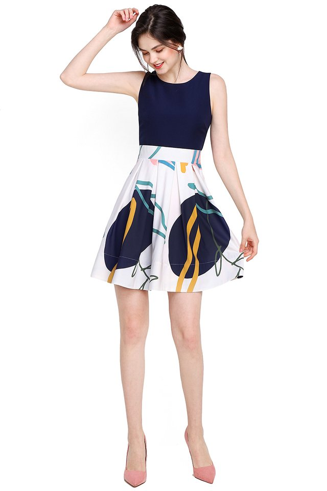 City Fables Dress In White Prints