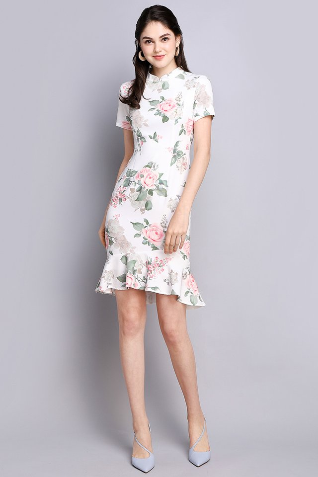 Camellia Chronicles Cheongsam Dress In White Florals