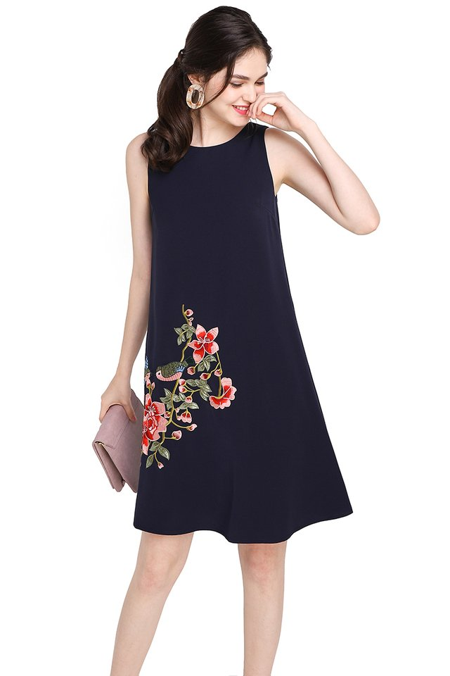 Swallow's Affection Dress In Navy Blue