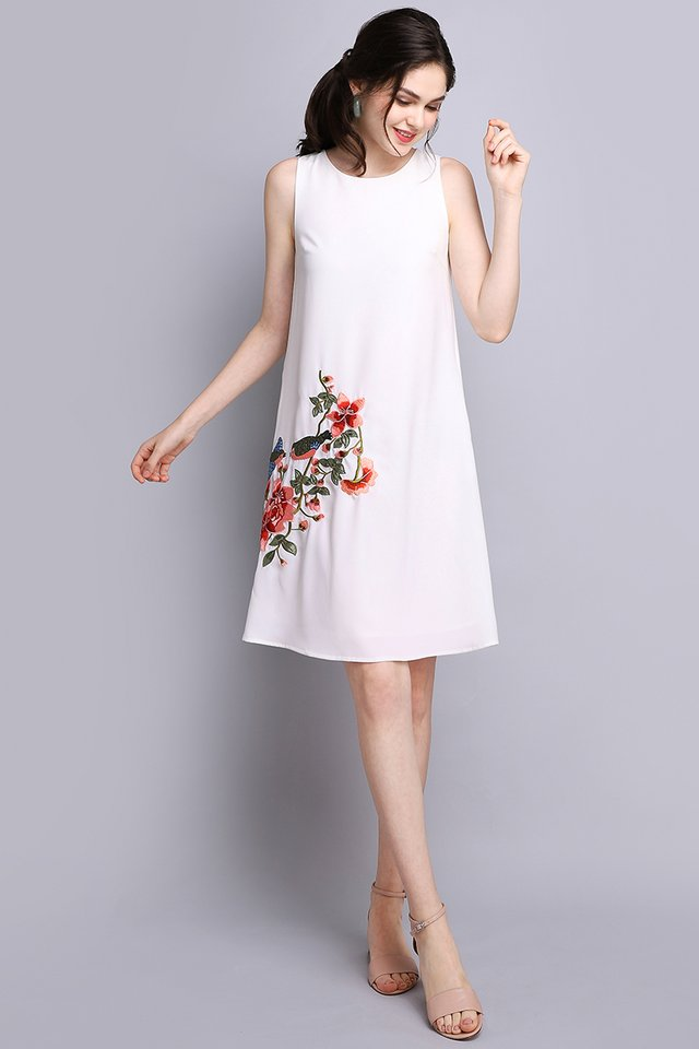 Swallow's Affection Dress In Classic White