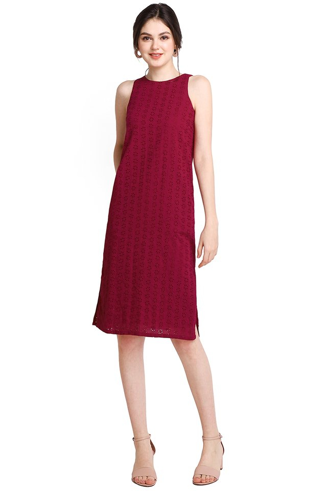 Warm Embrace Dress In Wine Red