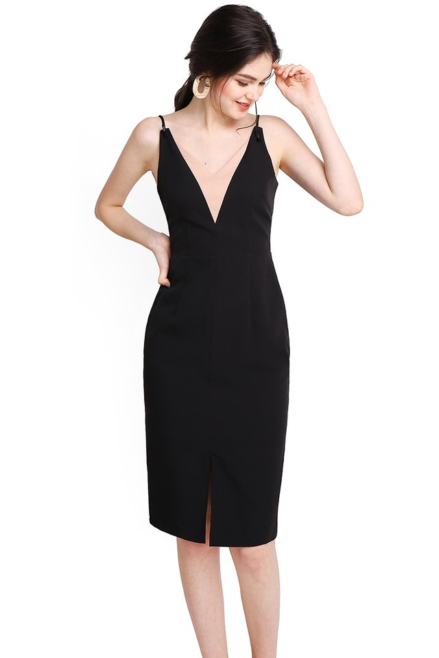 Modern Elegance Dress In Classic Black