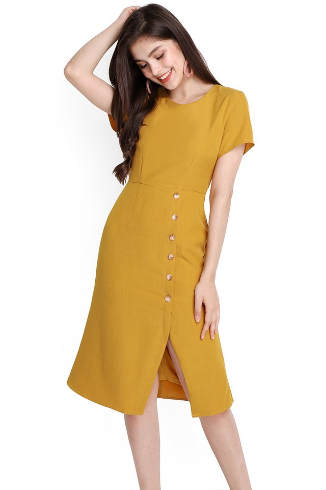 Chic Perfection Dress In Honey Mustard