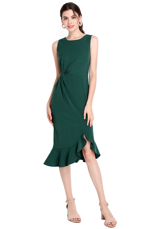 Classy Silhouette Dress In Forest Green