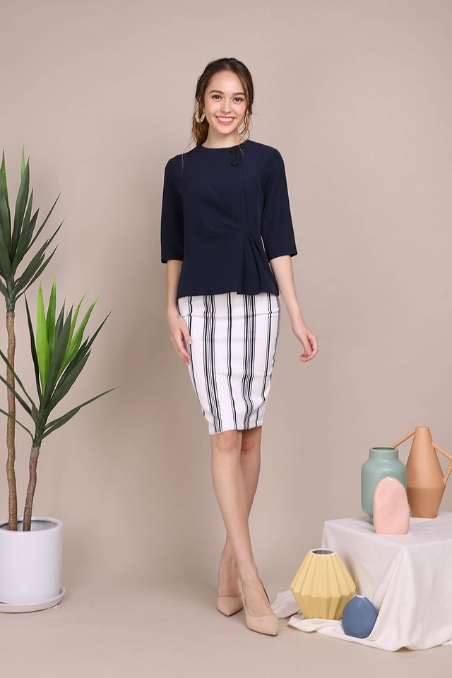 Casually Chic Top In Navy Blue