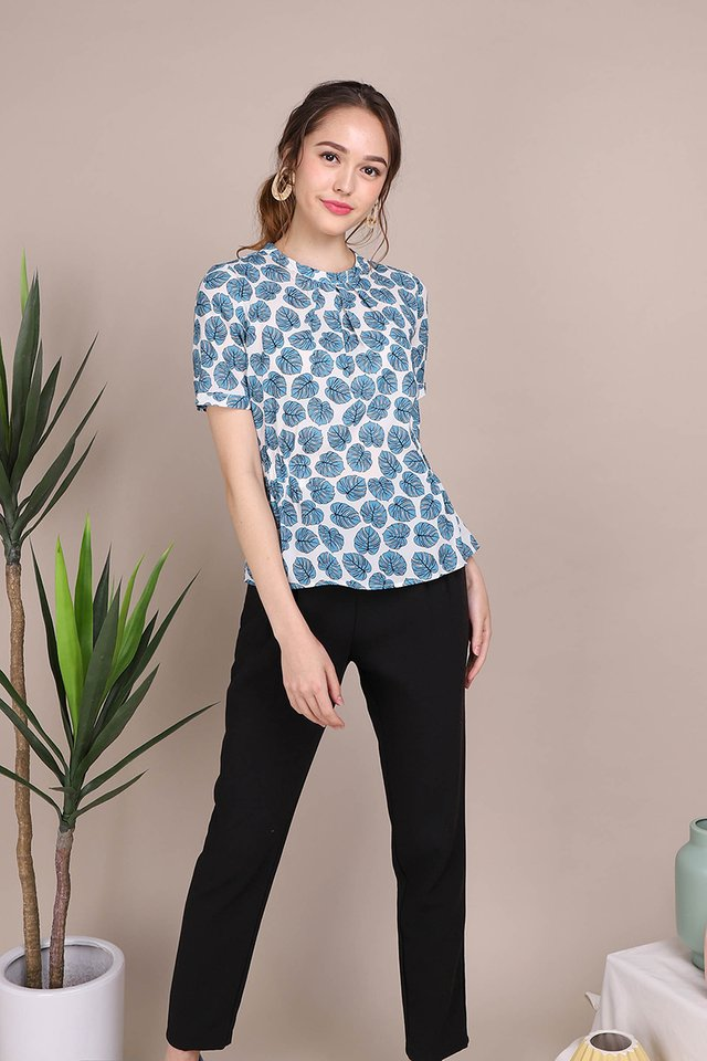 Tropic Fronds Top In Blue Prints